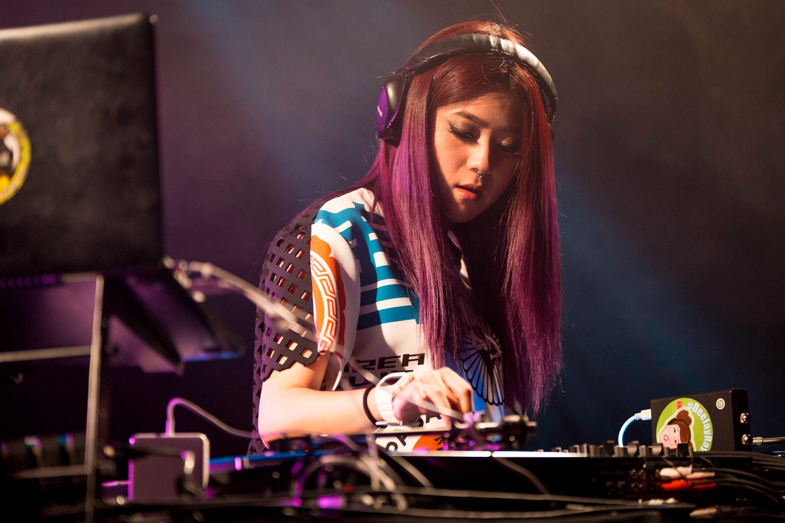DJ Ray Ray ©Jess Grinneiser