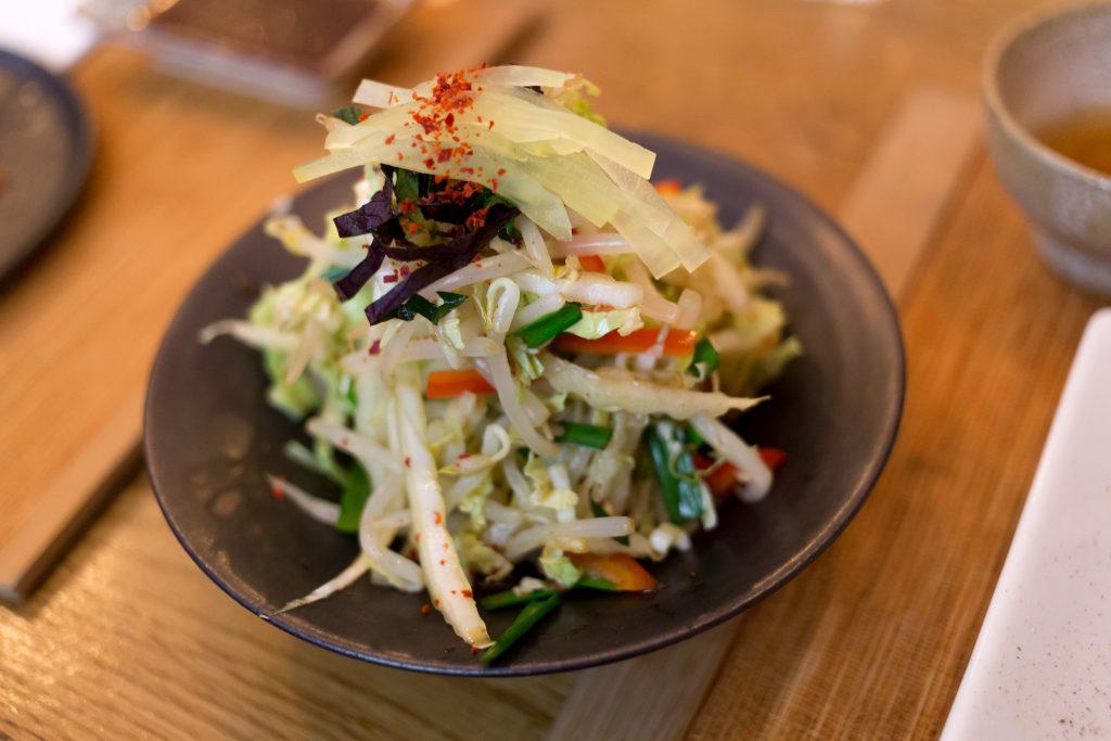 La salade coréenne, un plaisir rafraîchissant.